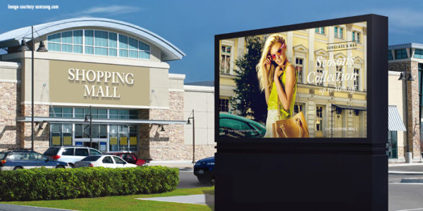 7 Crucial Considerations before Taking Your Digital Signage Outdoors